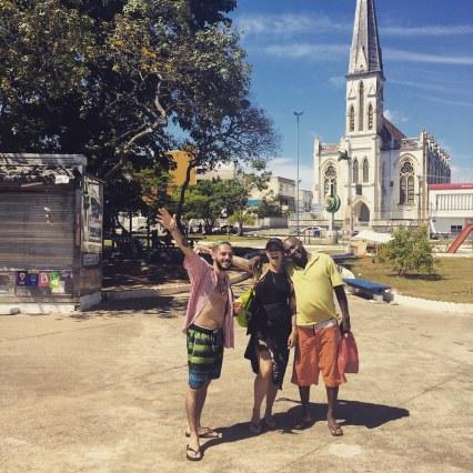 Los tres compañeros en la loca peregrinación